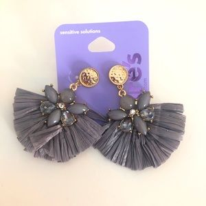 "Claire's Raffia 2"" Fan Drop Earring - Gray"